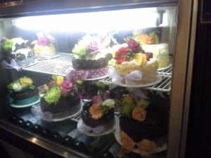 Extraordinary Desserts, cake case