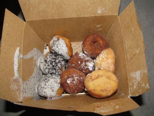 Beavers Donuts, mini doughnuts