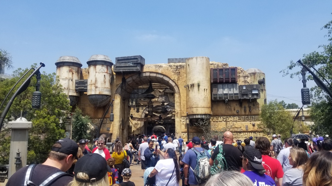 galaxy's edge batuu first look