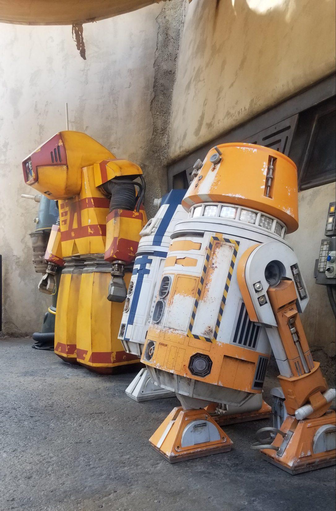 galaxy's edge batuu droids