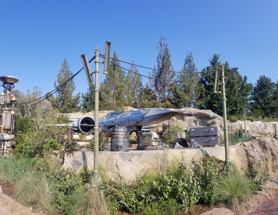 galaxy's edge batuu resistance ship