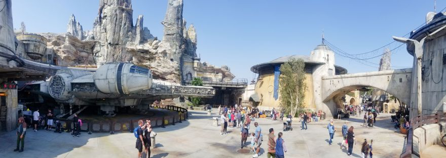 galaxy's edge batuu falcon wide