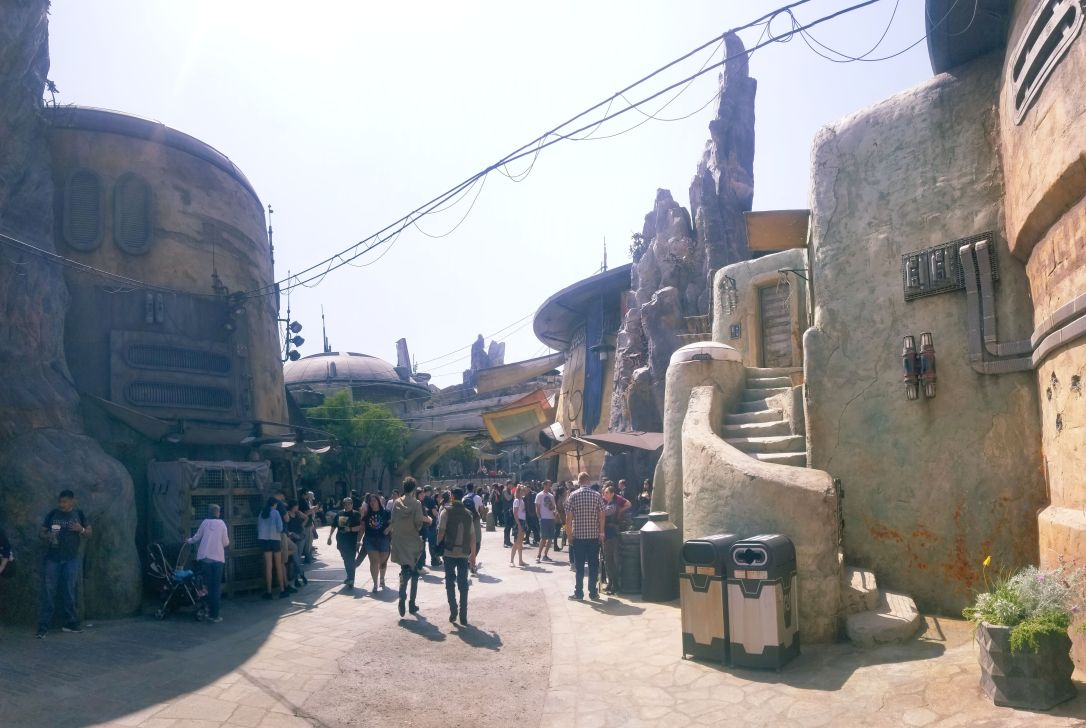 galaxy's edge batuu back of market
