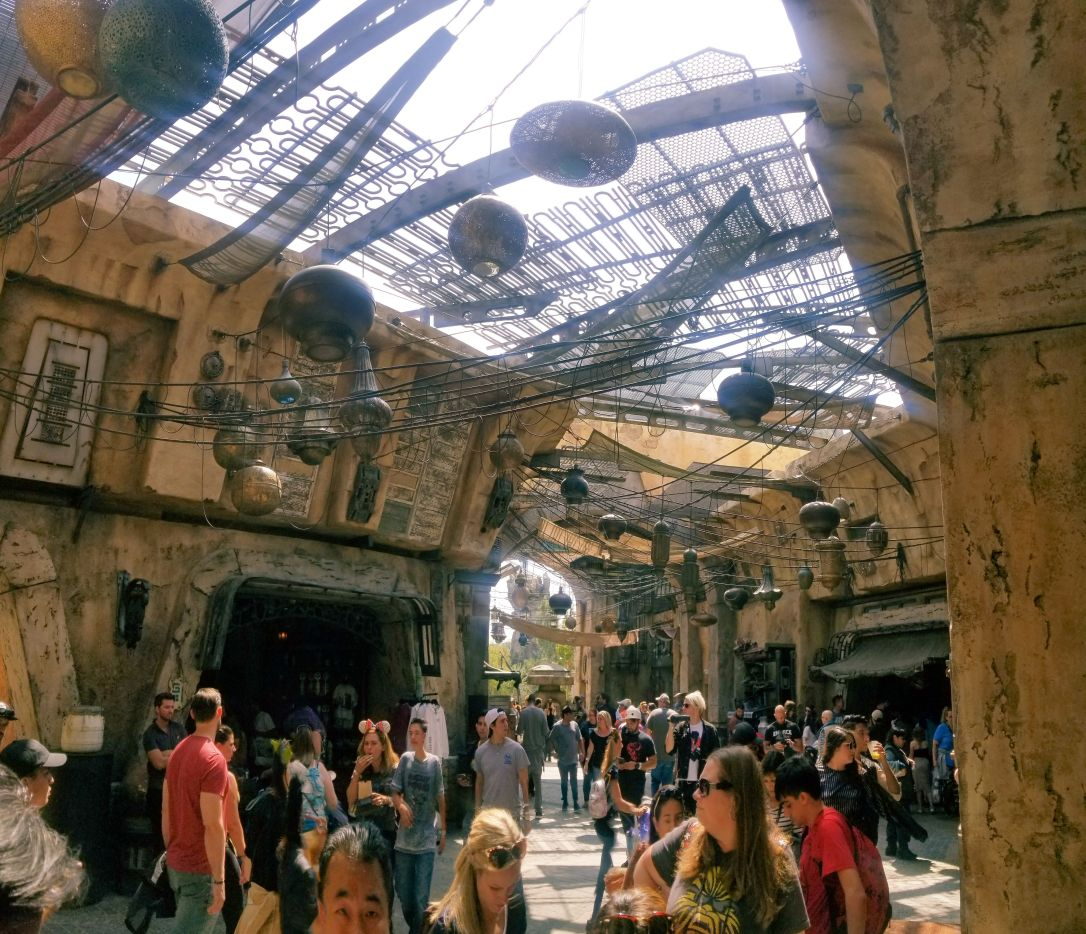 galaxy's edge batuu marketplace